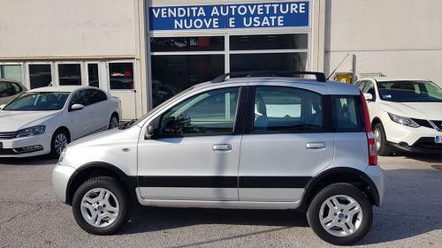 Fiat-Panda-4x4-1.3 Mjet 70 CV Climbing_9