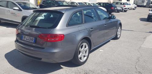 Audi A4 Avant 2.0 TDI 143 CV S-Line (2)