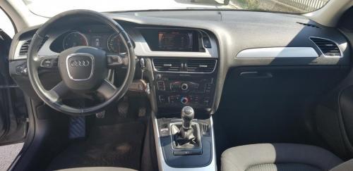 Audi A4 Avant 2.0 TDI 143 CV S-Line (6)