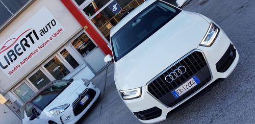 Audi Q3 2.0 TDI Business Plus (12)