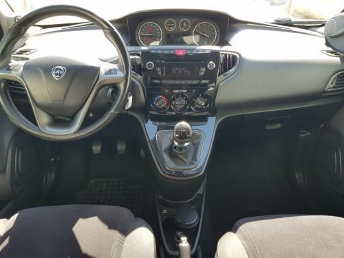Lancia Ypsilon 0.9 twinair versione Gold (5)