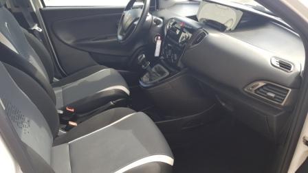 Lancia Ypsilon Elefantino (8)