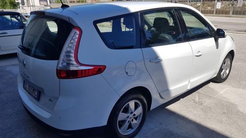 Renault-New-Scenic-1
