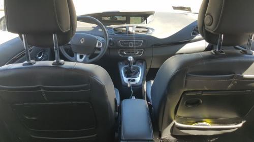 Renault-New-Scenic-6