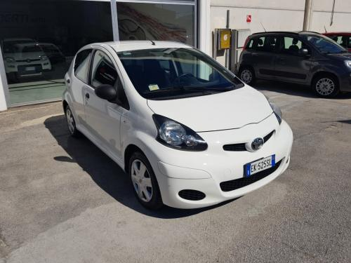 Toyota Aygo 1.0 Connect (2)