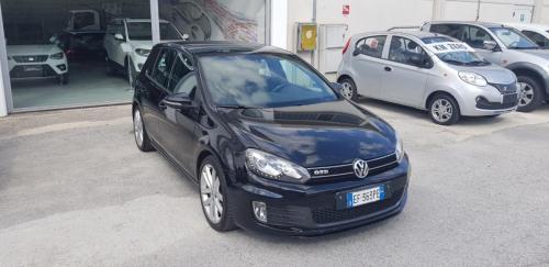 Volkswagen Golf VI 2.0 TDI 170 CV (9)